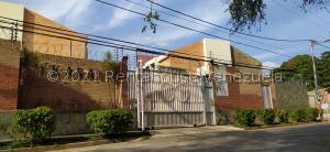 Townhouse En Ventaen Municipio Naguanagua, El Rincon, Venezuela, VE RAH: 21-21965