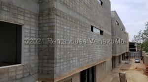 Galpon - Deposito En Ventaen Maracaibo, El Transito, Venezuela, VE RAH: 21-21972