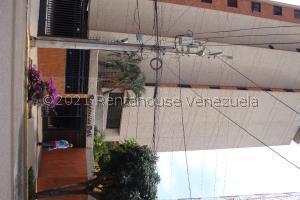 Apartamento En Alquileren Maracaibo, La Lago, Venezuela, VE RAH: 21-21978