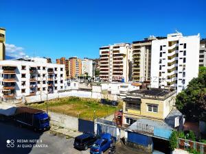 Apartamento En Ventaen Caracas, El Paraiso, Venezuela, VE RAH: 21-21983