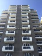Apartamento En Ventaen Parroquia Caraballeda, Tanaguarena, Venezuela, VE RAH: 21-21995