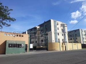 Apartamento En Ventaen Municipio Los Guayos, Paraparal, Venezuela, VE RAH: 21-21997