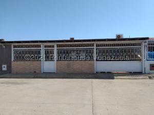 Casa En Ventaen Punto Fijo, Puerta Maraven, Venezuela, VE RAH: 21-22022