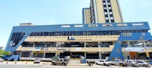 Local Comercial En Ventaen Maracay, Parque Aragua, Venezuela, VE RAH: 21-22031