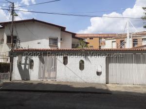 Casa En Ventaen San Juan De Los Morros, Ave Luis Aparicio, Venezuela, VE RAH: 21-22404