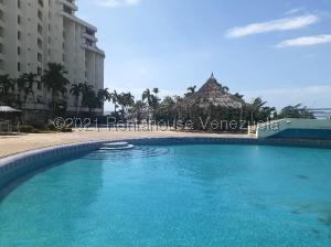 Apartamento En Ventaen Lecheria, Venecia, Venezuela, VE RAH: 21-22113