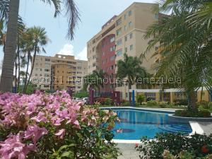 Apartamento En Ventaen Municipio Naguanagua, Las Quintas, Venezuela, VE RAH: 21-22142