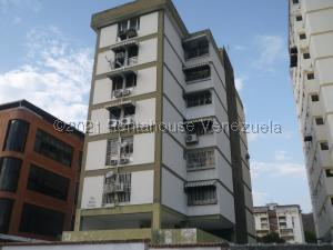 Apartamento En Ventaen Maracay, Los Caobos, Venezuela, VE RAH: 21-22178