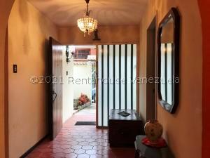 Casa En Ventaen Caracas, Santa Paula, Venezuela, VE RAH: 21-22301