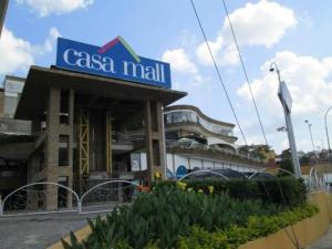 Local Comercial En Ventaen Caracas, Los Naranjos Del Cafetal, Venezuela, VE RAH: 21-22238