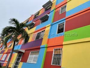 Apartamento En Ventaen Valencia, La Isabelica, Venezuela, VE RAH: 21-22370