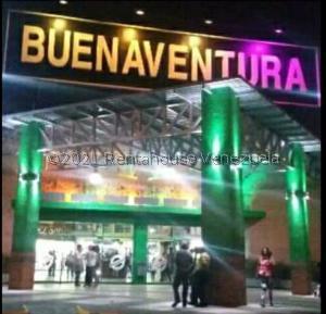 Local Comercial En Alquileren Guatire, Buenaventura, Venezuela, VE RAH: 21-22371