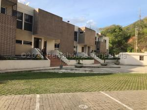 Townhouse En Ventaen Municipio Naguanagua, El Rincon, Venezuela, VE RAH: 21-22533