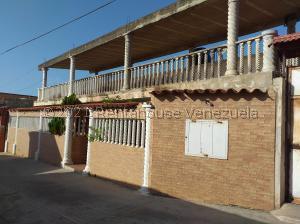 Casa En Ventaen Catia La Mar, Playa Verde, Venezuela, VE RAH: 21-22469