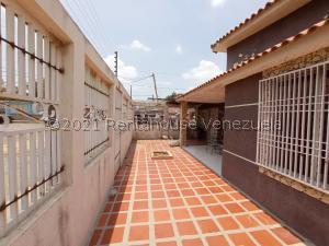 Casa En Ventaen Maracaibo, La Curva De Molina, Venezuela, VE RAH: 21-22427