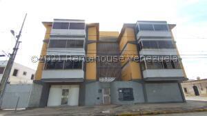 Apartamento En Ventaen Barquisimeto, Centro, Venezuela, VE RAH: 21-22465