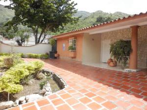 Casa En Ventaen Maracay, El Castaño (Zona Privada), Venezuela, VE RAH: 21-22499