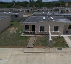 Casa En Ventaen Barquisimeto, Terrazas De La Ensenada, Venezuela, VE RAH: 21-23519