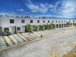 Casa En Ventaen Barquisimeto, Terrazas De La Ensenada, Venezuela, VE RAH: 22-4597