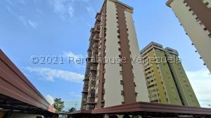 Apartamento En Ventaen Maracay, Urbanizacion El Centro, Venezuela, VE RAH: 21-22627