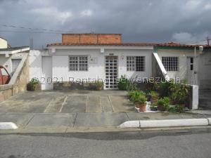 Casa En Ventaen Cabudare, Parroquia José Gregorio, Venezuela, VE RAH: 21-22645