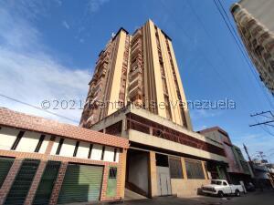 Apartamento En Ventaen Maracay, Zona Centro, Venezuela, VE RAH: 21-22666