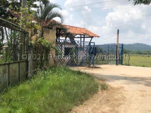 Terreno En Ventaen Municipio Libertador, Santa Isabel, Venezuela, VE RAH: 21-22702