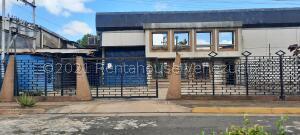 Local Comercial En Ventaen Puerto Ordaz, Zona Industrial Los Pinos, Venezuela, VE RAH: 21-22722