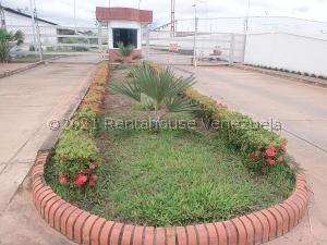 Casa En Ventaen Ciudad Bolivar, Conjunto Residencial Villas Paraiso, Venezuela, VE RAH: 21-22917