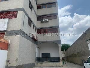 Galpon - Deposito En Alquileren Guarenas, Los Naranjos, Venezuela, VE RAH: 21-22767