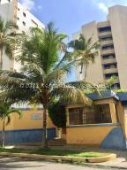 Apartamento En Ventaen Parroquia Caraballeda, Caribe, Venezuela, VE RAH: 21-22780