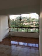Apartamento En Alquileren San Antonio De Los Altos, Las Salias, Venezuela, VE RAH: 21-22791