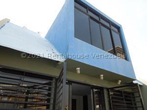 Casa En Ventaen Puerto La Cruz, Complejo Turistico El Morro, Venezuela, VE RAH: 21-22798