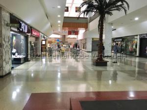 Local Comercial En Ventaen Caracas, Chuao, Venezuela, VE RAH: 21-23129