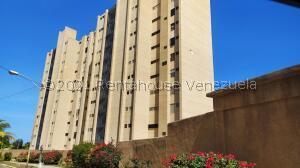 Apartamento En Ventaen Catia La Mar, Playa Grande, Venezuela, VE RAH: 21-23012
