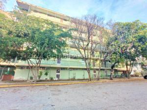 Apartamento En Ventaen Maracay, Parque Aragua, Venezuela, VE RAH: 21-22846