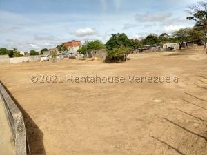 Terreno En Ventaen Cabudare, La Piedad Norte, Venezuela, VE RAH: 21-27499