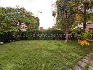 Terreno En Ventaen Caracas, Santa Eduvigis, Venezuela, VE RAH: 21-22885