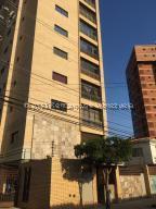 Apartamento En Ventaen Maracaibo, Valle Frio, Venezuela, VE RAH: 21-22896
