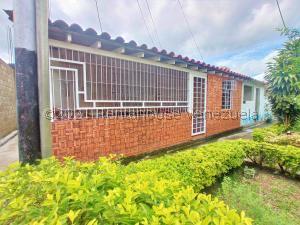 Casa En Ventaen Cagua, Prados De La Encrucijada, Venezuela, VE RAH: 21-22910