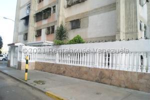 Apartamento En Ventaen Caracas, Caricuao, Venezuela, VE RAH: 21-22916