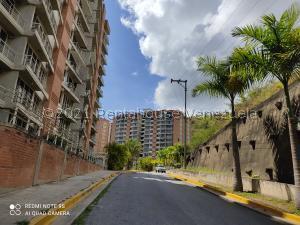 Apartamento En Ventaen Caracas, El Encantado, Venezuela, VE RAH: 21-22942