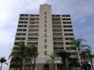 Apartamento En Ventaen Parroquia Caraballeda, La Llanada, Venezuela, VE RAH: 21-23289