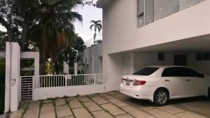 Casa En Alquileren Caracas, Altamira, Venezuela, VE RAH: 21-23008