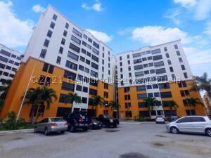 Apartamento En Ventaen Maracay, Bosque Alto, Venezuela, VE RAH: 21-23005