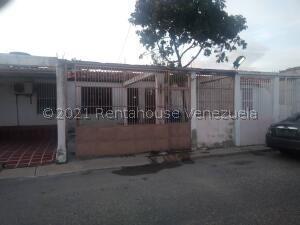 Casa En Ventaen Barquisimeto, Parroquia El Cuji, Venezuela, VE RAH: 21-23039