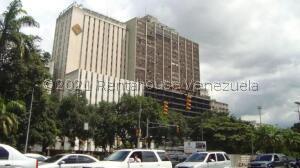Oficina En Alquileren Caracas, Parque Carabobo, Venezuela, VE RAH: 21-23042