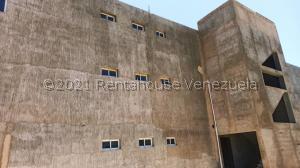 Local Comercial En Ventaen Punto Fijo, Puerta Maraven, Venezuela, VE RAH: 21-23054