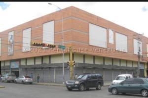 Local Comercial En Ventaen Maracay, El Centro, Venezuela, VE RAH: 21-23093