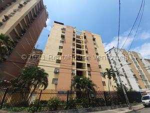 Apartamento En Ventaen Maracay, Urbanizacion El Centro, Venezuela, VE RAH: 21-23103